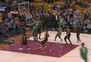 Thompson finishes with dunk from LeBron pass