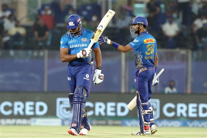 IPL 2021: CSK vs MI, Match 27 Photos