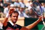 Medvedev stuns Djokovic to continue dream Monte Carlo run