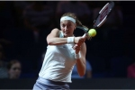 Kvitova eases through in Stuttgart, Istanbul seeds tumble