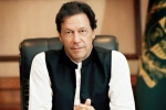 'Kaptaan' Imran Khan asks Pakistan cricket team to banish fear of losing against India