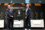 Andres Iniesta becomes a La Liga icon