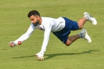 Virat Kohli plays 'gully cricket' with kids