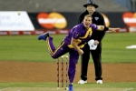 Shane Warne urges Cricket Australia to force states to pick spin bowlers