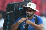 How Indian wicketkeeper-batsman Rishabh Pant keeps himself fit indoors - Watch