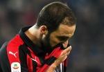 Serie A: Higuain horror show costs Milan as Juventus cruise