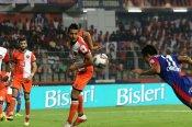 ISL 2018: Sunil Chhetri heads the winner on comeback as Bengaluru FC edge FC Goa