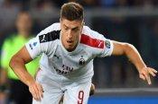 Verona 0-1 AC Milan: Piatek on target as Calabria sees red