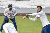 Wriddhiman Saha reveals how he helps Rishabh Pant in wicket keeping
