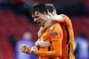 Netherlands 2-0 Latvia: Berghuis and De Jong get Oranje off the mark