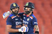 Shastri helped Rohit, Kohli sort out their differences: Report