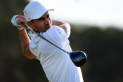 Villegas takes two-shot lead on Texas Open opening day, Mickelson nightmare on the 18th