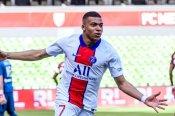Metz 1-3 Paris Saint-Germain: Mbappe doubles helps put pressure back on Lille