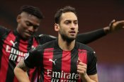 Milan 2-0 Benevento: Calhanoglu and Hernandez lift Rossoneri back up to second