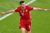 Bayern Munich 6-0 Borussia Monchengladbach: Lewandowski stars as Bundesliga champions celebrate in style