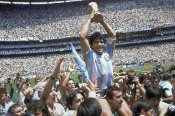 Argentinian doctors cry foul over Maradona's death