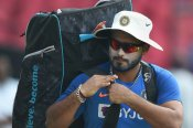 How Indian wicketkeeper-batsman Rishabh Pant keeps himself fit indoors - Watch
