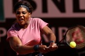 Serena sails through but Venus falls at the first hurdle in Parma