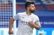 Crystal Palace 0-2 Manchester City: Aguero and Torres fire City to the brink of glory