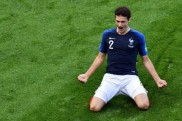 Benjamin Pavard not signing with Bayern Munich after 'one last year in Germany'