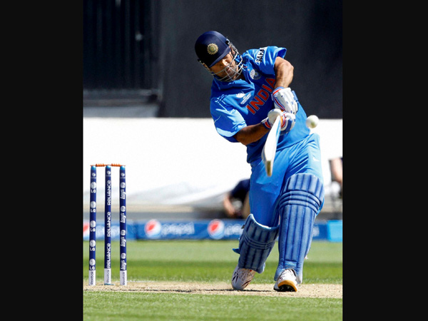Dhoni, Bhuvneshwar slip a place in ICC rankings