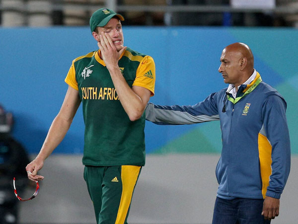 Morne Morkel is in tears after the loss