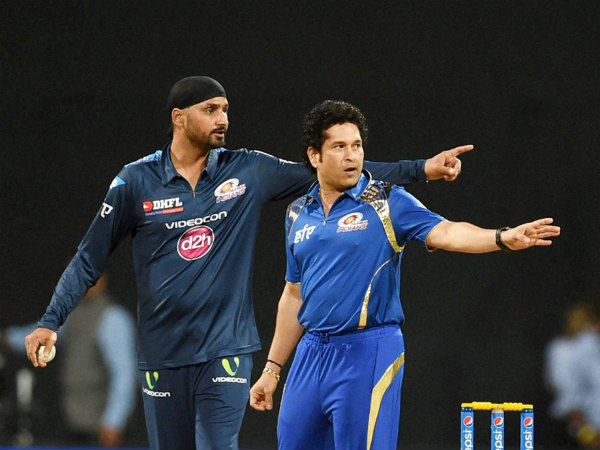 Sachin with Harbhajan Singh before start of play