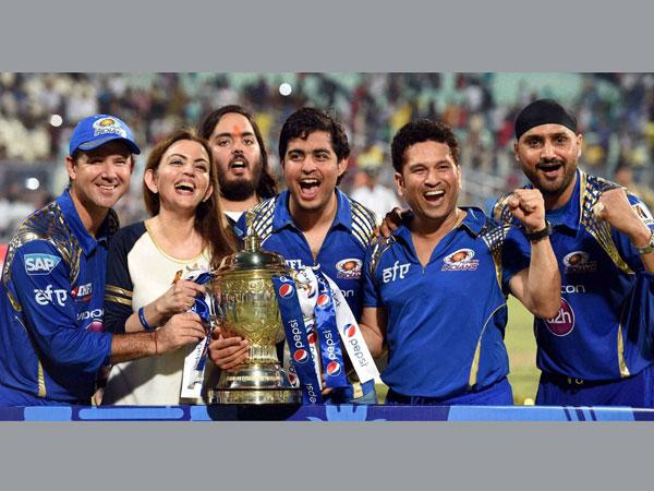 mumbai indians celebrate ipl victory wankhede oneindia