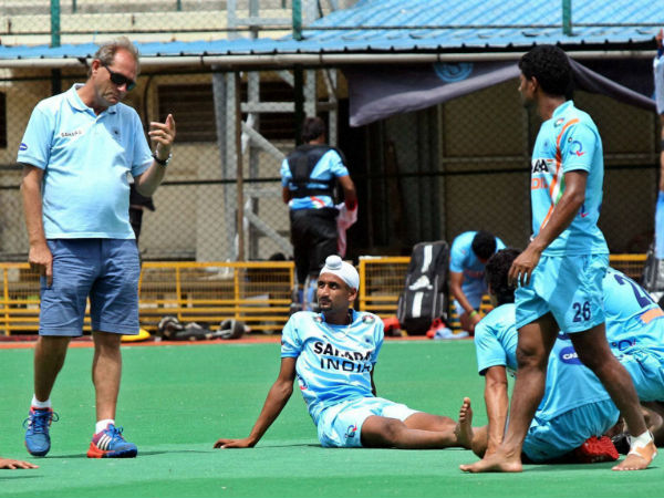 File photo: Roelant Oltmans (left) with Indian players during a training session