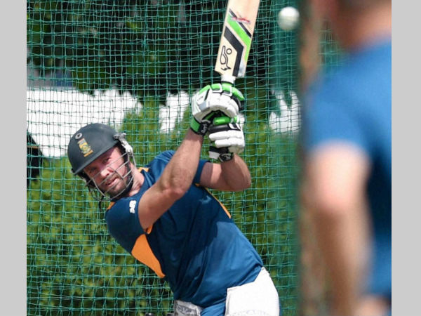 AB de Villiers prepares for a long tour in India