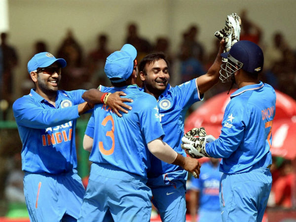 Mishra (second right) celebrates a South African wicket with team-mates during the 1st ODI in Kanpur