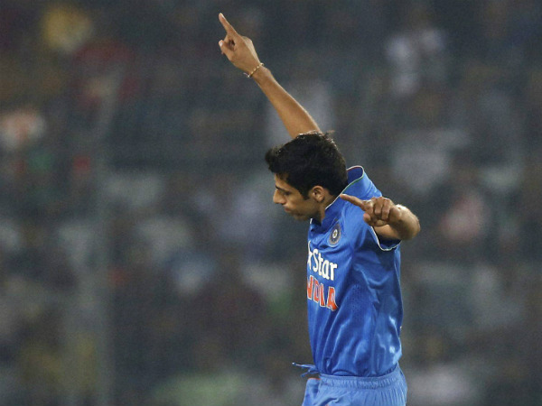 Ashish Nehra has been consistently taking wickets in the opening 6 overs