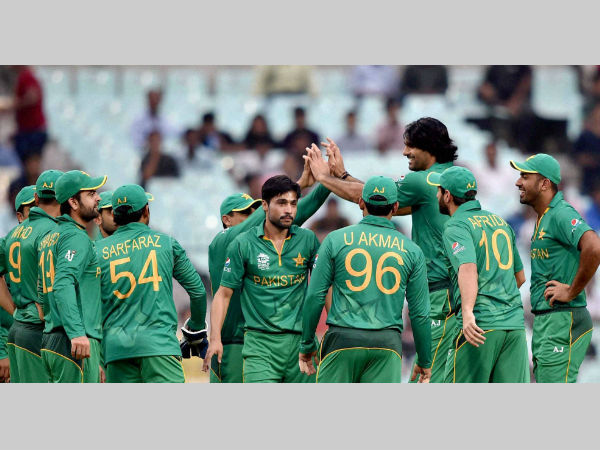 Pakistan players celebrate a wicket against Sri Lanka during their World T20 warm-up match in Kolkata on Monday (March 14)