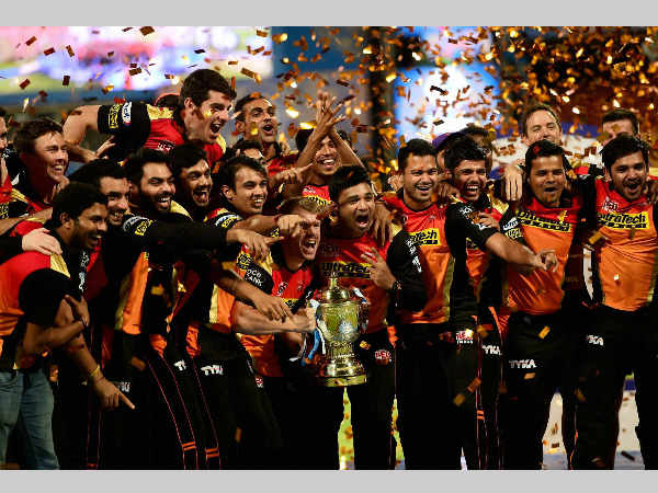 SRH players celebrate with the IPL trophy