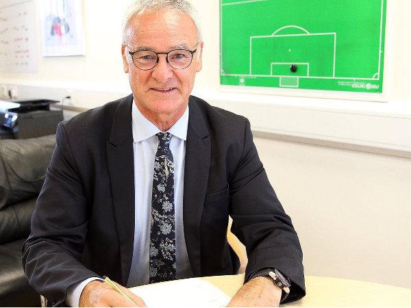 Claudio Ranieri extends contract with Leicester City (Image courtesy: Leicester City Twitter handle)