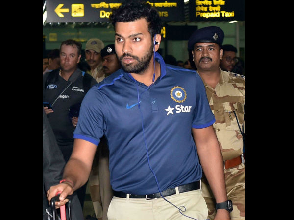 Rohit Shartma arrives at NSCBI Airport