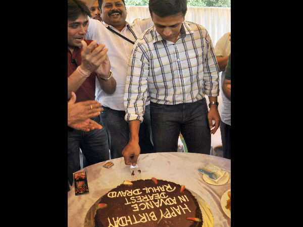 Celebrates birthday with fans