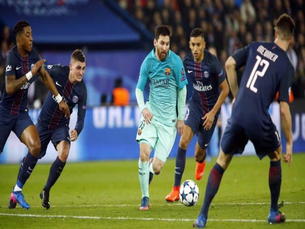 Lionel Messi (centre) could not make a mark against PSG