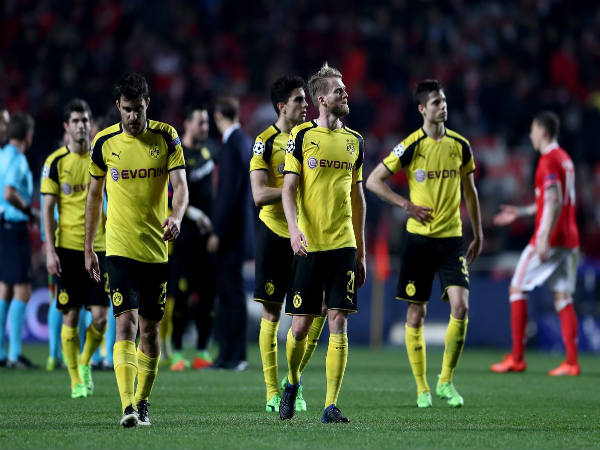 Dejected Borussia Dortmund players