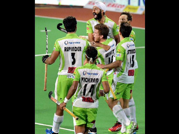 HIL 2017: Delhi Waveriders beat spirited Kalinga Lancers 6-4