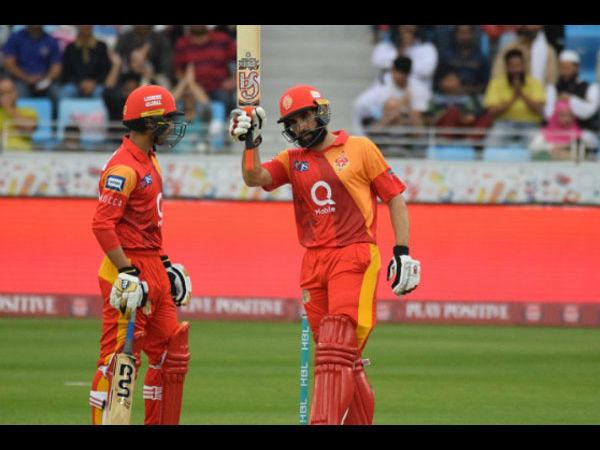 Watch Misbah Ul Haq Does Yuvraj Singh Blasts Six 6s Six Ball Hong Kong T