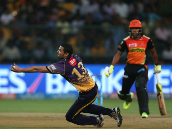 Ipl 2017 Nathan Coulter Nile S Stunning Return Catch Is Must Watch Kkr Vs Srh