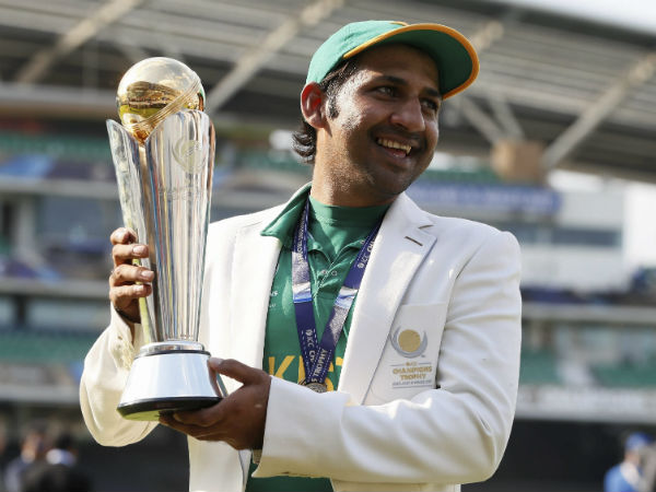 Sarfraz Ahmed poses with the Champions Trophy