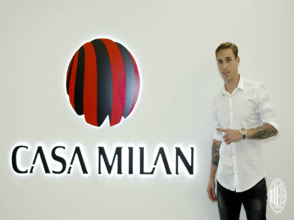 File Photo: Lucas Biglia (Image Courtesy: AC Milan website)