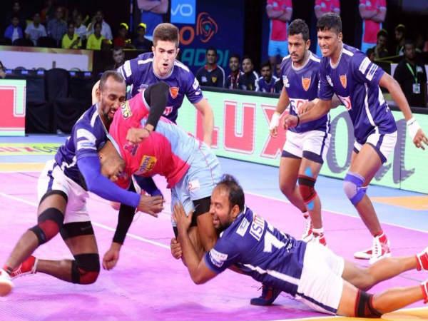 Pro Kabaddi League 2017 Dabang Delhi Beat Jaipur Pink Panthers