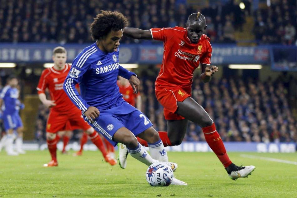 Manchester United Renew Interest Chelsea Willian Premier League