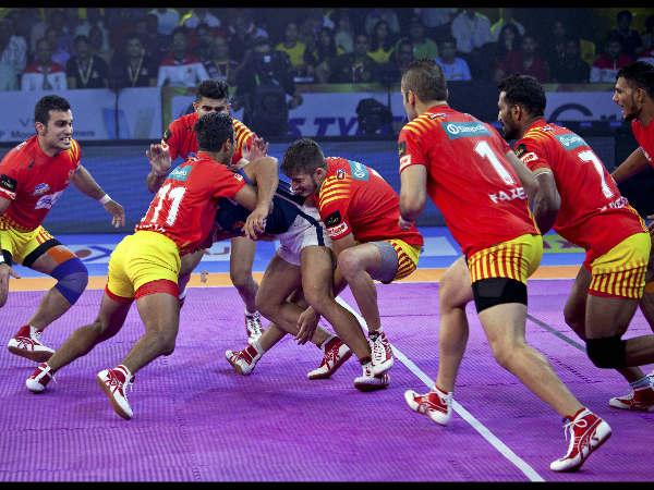 Pro Kabaddi League 2017 Gujarat Fortune Giants Beat Dabang