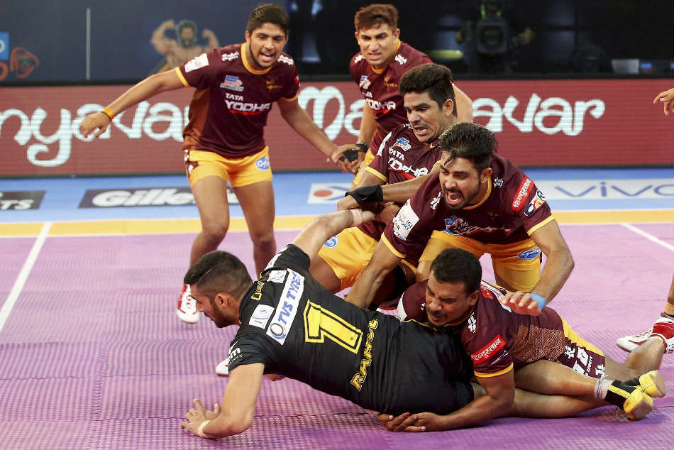 Pro Kabaddi League 2017 Up Yoddhas Beat Telugu Titans 39 32