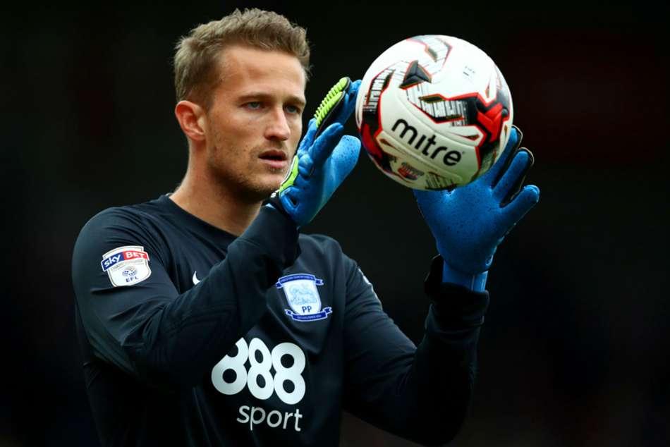 Burnley Sign Lindegaard Following Heaton Injury
