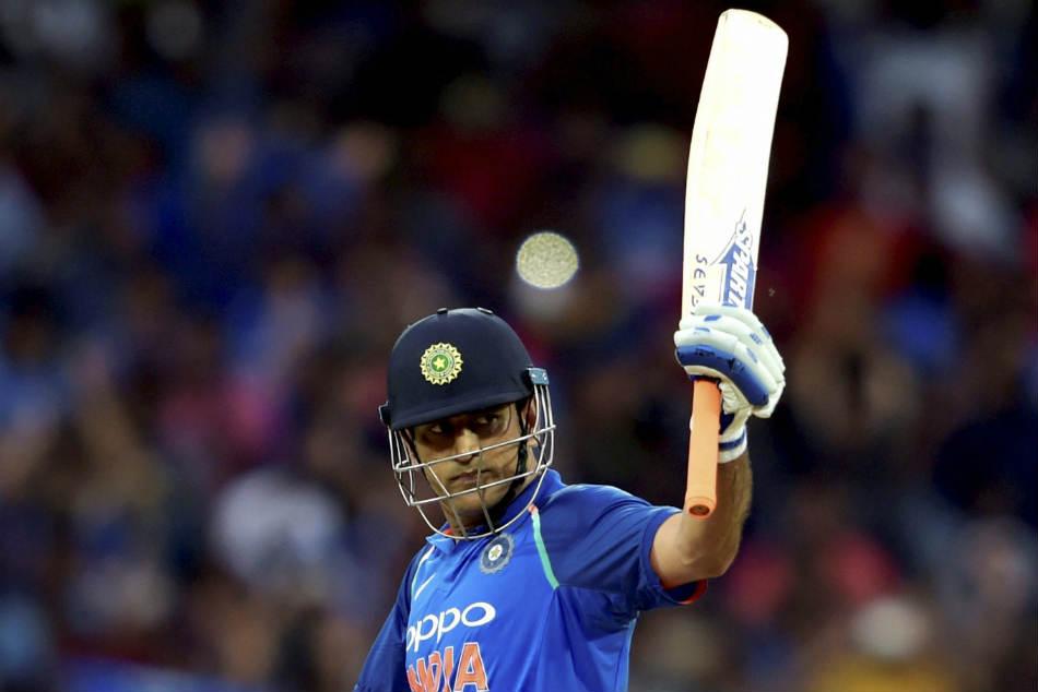 India Vs Australia Ms Dhoni Completes 100 Half Centuries In International Cricket